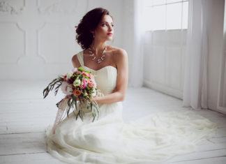 Suknia ślubna szyta na miarę – czy to faktycznie dobry pomysł?