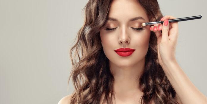 od czego zależy trwałość makijażu?